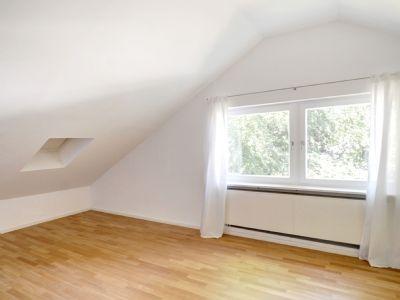 Zimmer im Dachgeschoss mit Bad ensuite