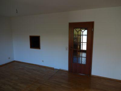 7 Wohn- und Esszimmer