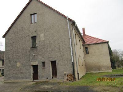 Wohngebäude- Ostseite m. Anbau
