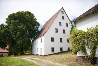 Stattliches Bauernhaus + Halle