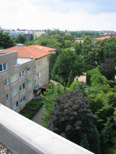 Wohnen im Grünen 2 1/2 Zi Whg. in gepflegter Wohnanlage in einer Grünanlage Nähe Spandauer Arcaden