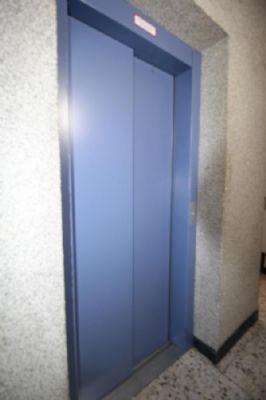 schicke 80 qm dachgeschoss lift eigentumswohnung mit charme und saniert in bochum werne. Black Bedroom Furniture Sets. Home Design Ideas