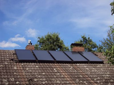 Sonnenkollektoren der thermischen Solaranlage