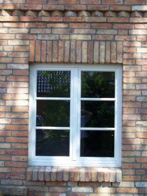 Reetdachhauc Holzfenster