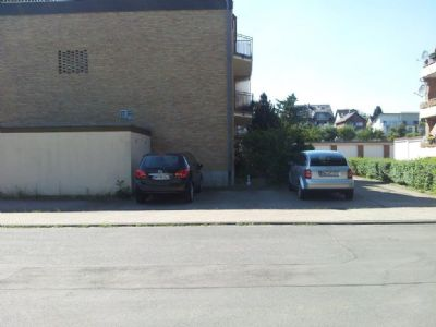 Stellplatz, hinten Garagen SUV-Größe gut möglich