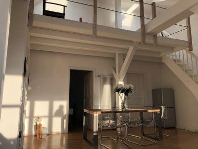 drei zimmer dachgeschoss wohnung in m nchen haidhausen m bliert zur zwischenmiete wohnung. Black Bedroom Furniture Sets. Home Design Ideas