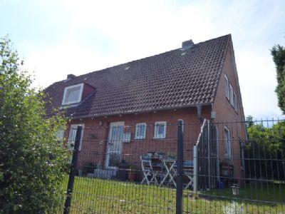 Kleine Doppelhaushälfte als Eigentumswohnung mit großem Garten in Bornhöved