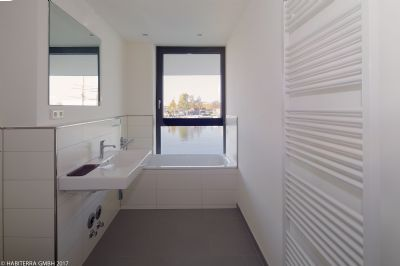 maisonette wohnung mit wasserblick leben auf der. Black Bedroom Furniture Sets. Home Design Ideas