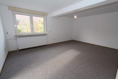 ger umiges haus f r zwei gut und g nstig doppelhaush lfte. Black Bedroom Furniture Sets. Home Design Ideas