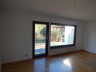 6 Wohn- und Esszimmer