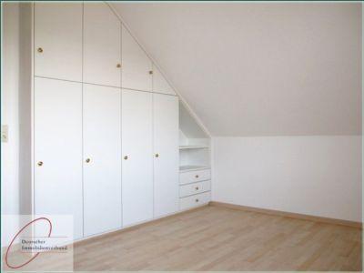 bergabe renoviert und mit neuem bodenbelag s d balkon g ste wc stellplatz wohnung. Black Bedroom Furniture Sets. Home Design Ideas