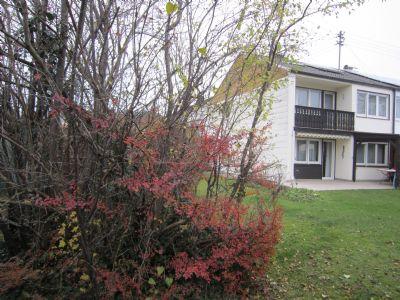 Doppelhaushälfte in 85640 Putzbrunn, 48 m² extra Keller, 2Garagen