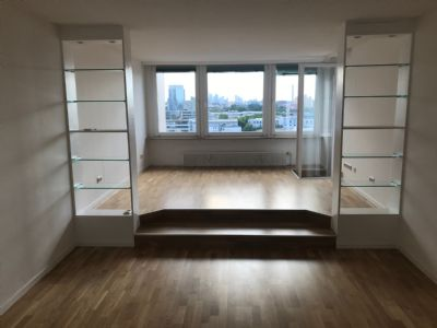 Schöne 3-Zimmer-Whg in Hochhaus mit Skyline-Blick