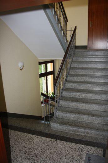 Liebevoll sanierte 1-Raum-Wohnung möbliert in ruhiger Lage, Aussicht und Einbauküche