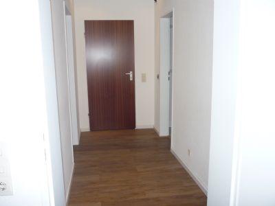 zentrale lage renovierte 2 zimmer wohnung mit neuem badezimmer etagenwohnung leverkusen 2dtb34m. Black Bedroom Furniture Sets. Home Design Ideas