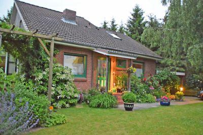 Vorgarten mit Eingang