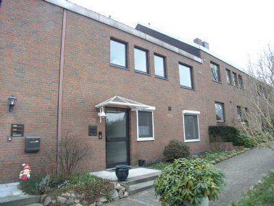 Gepflegte Maisonette-Eigentumswohnung (über 2 getrennte Etagen) ges. 146 m²,  2 Balkone, gr. Keller, Garage.