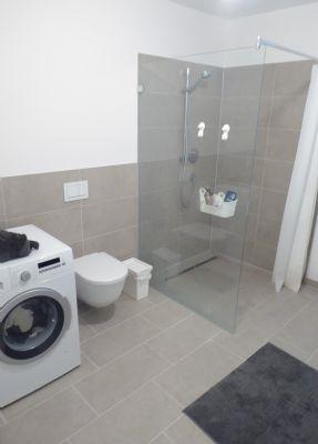 Echtglasdusche WC Waschmaschinenanschluss