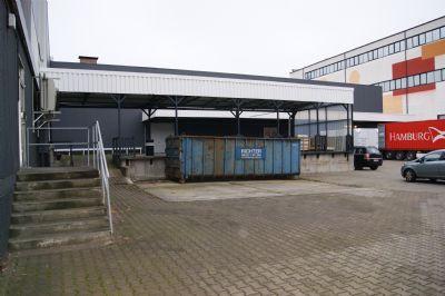 Lagerkomplex  mit Rampe
