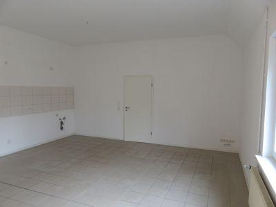 meine erste eigene wohnung ansprechende 2 zkb wohnung im erdgeschoss mit pkw stellplatz und. Black Bedroom Furniture Sets. Home Design Ideas