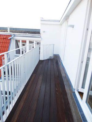 erstbezug 4 zimmer dachgeschosswohnung mit k che und 3 terrassen im prenzlauer berg nahe dem. Black Bedroom Furniture Sets. Home Design Ideas
