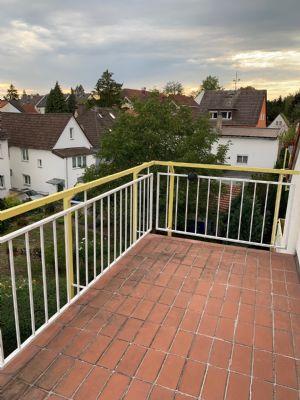 Moderne 2-Zimmer-Wohnung im Dachgeschoss in ruhiger Lage in Praunheim