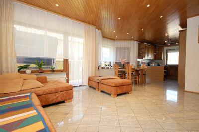 Das große Wohnzimmer im EG_03