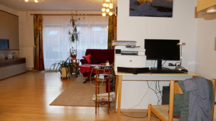 Fürth - Junges Wohnen - 4 Zimmerwhg. auf 2 Etagen mit Balkon und TG ...