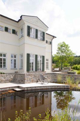Terrasse mit Schwimmteich