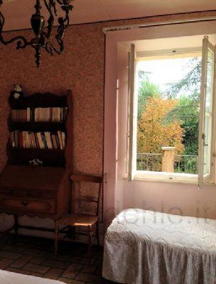 villa mit gro er terrasse und m garten in einem. Black Bedroom Furniture Sets. Home Design Ideas