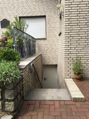 Kellerausgangstreppe