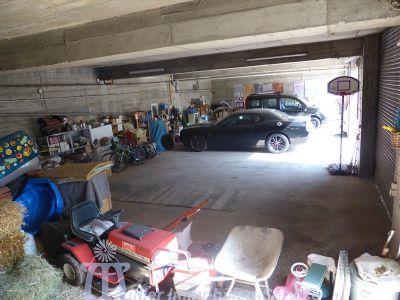 UG Lagergebäude und Garagen