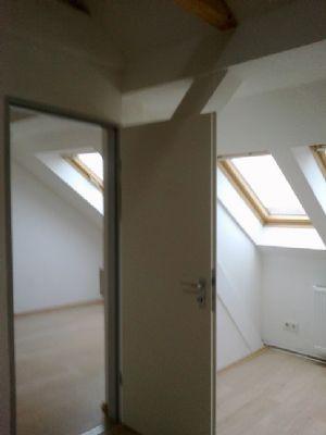 großes und mittelgroßes Zimmer