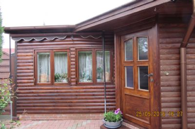 schnuckeliges ferienhaus zwischen ammenland und jadebusen direkt am bernsteinsee. Black Bedroom Furniture Sets. Home Design Ideas