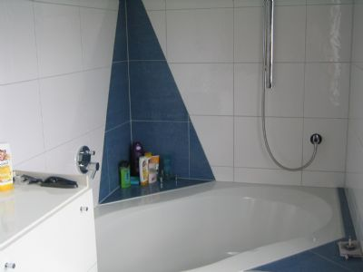 große Badewanne