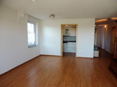 Wohnzimmer, Blick in Küche
