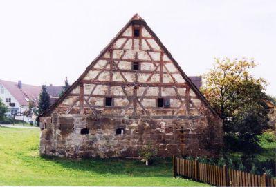 Historischer Zierfachwerkgiebel an der Rückseite