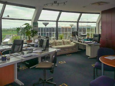 Büro mit Couch 3. OG