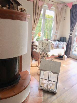 elegante wohnung mit garten und traumhaftem bergblick in. Black Bedroom Furniture Sets. Home Design Ideas