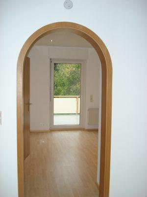 Blick von Wohn in Esszimmer
