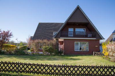 haus an der nordsee kaufen eine kleine residenz als zweifamilienhaus oder wohnung und. Black Bedroom Furniture Sets. Home Design Ideas