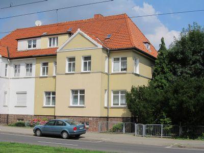 reserviert charmantes dreifamilienwohnhaus mit gro em grundst ck in der schweriner weststadt. Black Bedroom Furniture Sets. Home Design Ideas