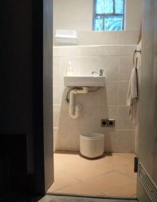 Keller-Toilette
