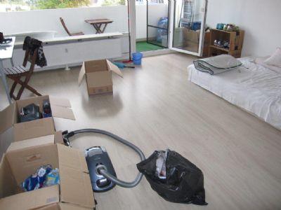 1 zkb in geisenheim 42qm balkon und schwimmbad wohnung. Black Bedroom Furniture Sets. Home Design Ideas