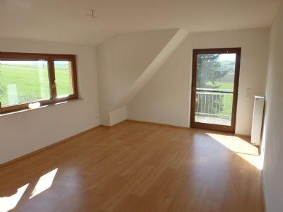 dreizimmerwohnung mit balkon und garten mitten in sch nster natur wohnung homberg efze. Black Bedroom Furniture Sets. Home Design Ideas