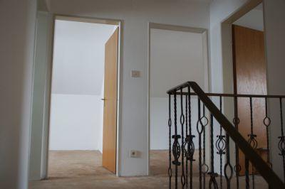 reserviert freistehendes efh mit gro z gigem grundst ck und bergblick einfamilienhaus bad. Black Bedroom Furniture Sets. Home Design Ideas