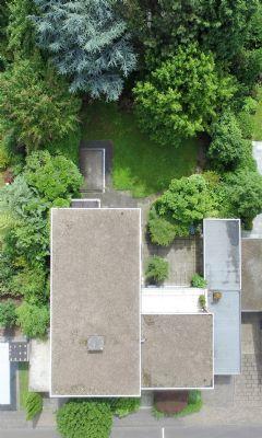 Gebäude und Grundstück aus der Vogelperspektive