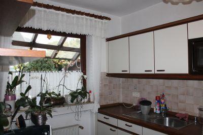 Einbauküche mit Fensterblick