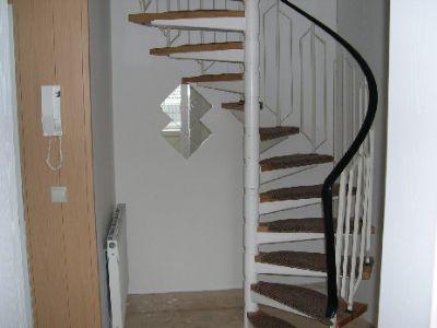 Flur, Treppe zur Ebene 2