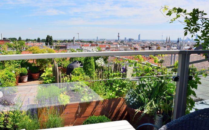 Traumhafte Dachgeschoss Maisonettewohnung In Historischem